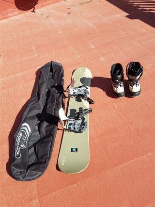 Tabla snow board con fijacione, botas y funda