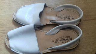 Sandalias 40 ibicencas de cuero ecológico blancas