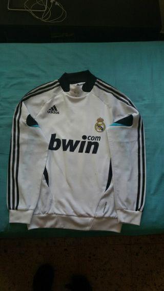 Sudadera oficial Real Madrid.