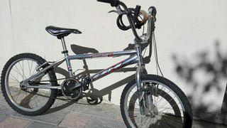 Bicicleta BMX BH