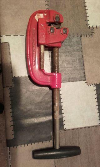 Llave corta tubos