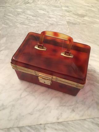 Caja baúl de concha simil carey