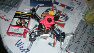 se reparan drones de carreras