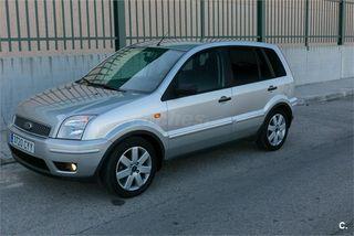 Ford Fusion 2004 pocos kms con garantía