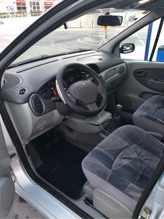 Renault Scenic del año 2001,con todos sus extras