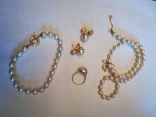 Conjunto de perlas blancas