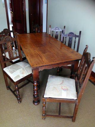 Mesa y sillas para comedor