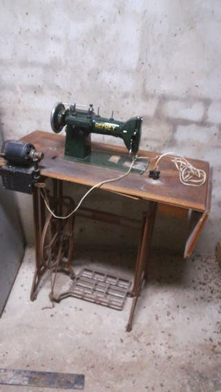 maqina coser antigua