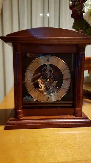 Reloj decoracion.