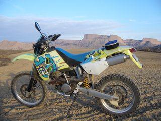 moto enduro husvarna 410 TE