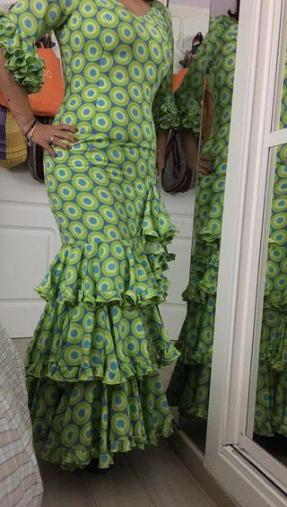 Trajes de flamenca, feria, Rocío