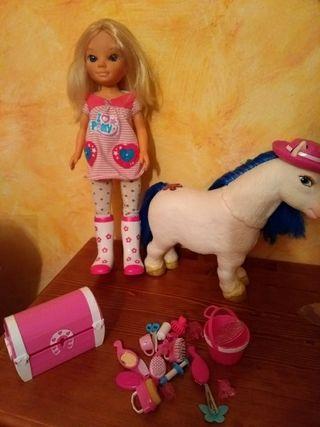 Nancy con pony