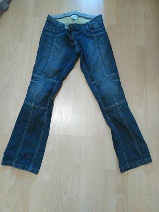 Pantalones kevlar moto chica. Rebajado (antes 80€)