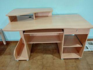 Mesa de ordenador +ordenador