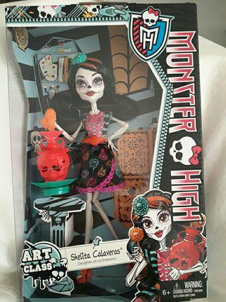 Monster High Skelita Calaveras Clase de Arte