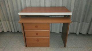 escritorio mas mesita