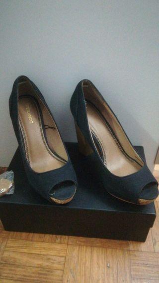 fab30e55631 Zapatos de tacón cómodos de segunda mano en Sestao en WALLAPOP