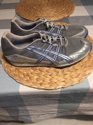 Zapatillas correr con clavos