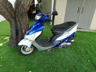 Ciclomotor 49cc (tlf:676745218)