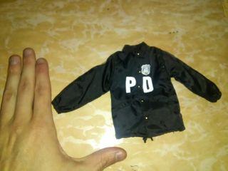 Escala 1/6 chaqueta policia