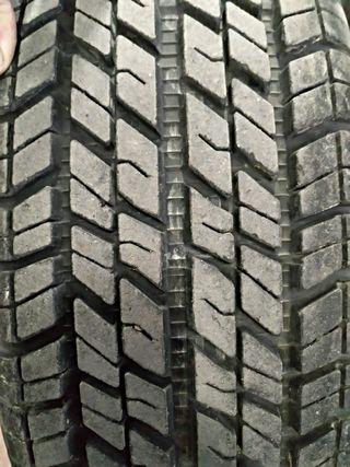 Neumático coche y llantas