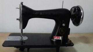 Maquina de coser Alfa cabeza negra
