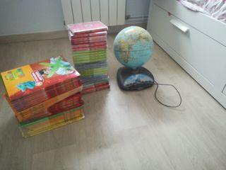 Libros, DVD y bola del mundo