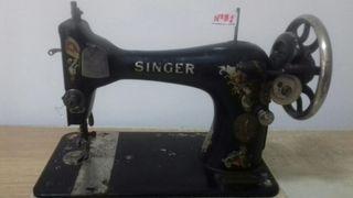 Maquina de coser Singer de bellota