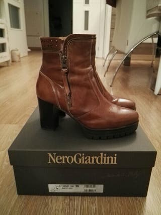 Botines camel Nero Giardini t.36