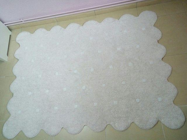 alfombra lorena canals modelo galleta color rosa. de segunda mano