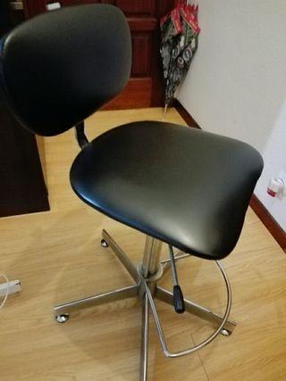 silla de dibujo o arquitectura en piel