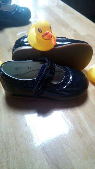 Zapatos niña 19