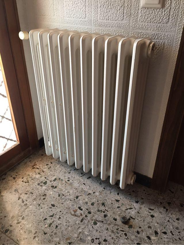 Radiadores calefacci n hierro fundido de segunda mano por 119 en el palau d 39 anglesola en wallapop - Radiadores de calefaccion de segunda mano ...
