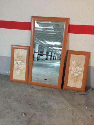 Cuadros y espejo decorativos