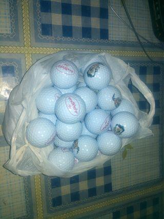 31 pelotas de golf