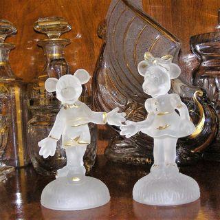 Figuras de colección de Mickey y Minnie