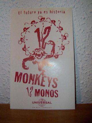 REGALO pegatina original 12 monos