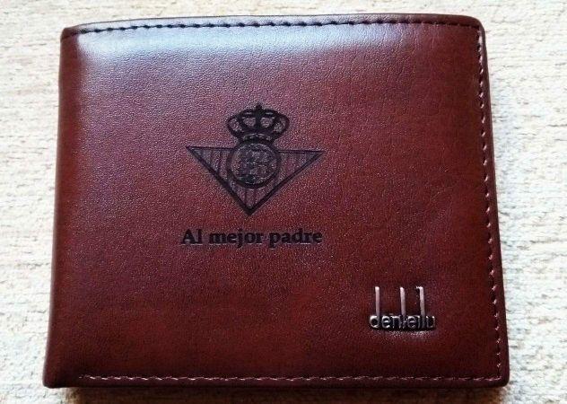 8b1c83283 Carteras grabadas personalizadas de segunda mano por 20 € en Córdoba ...
