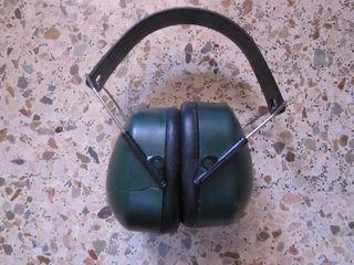 Orejeras de protección de los oídos.