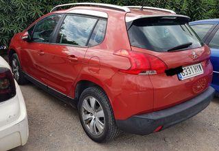 Peugeot 2008. agosto 2014. gasolina. manual.