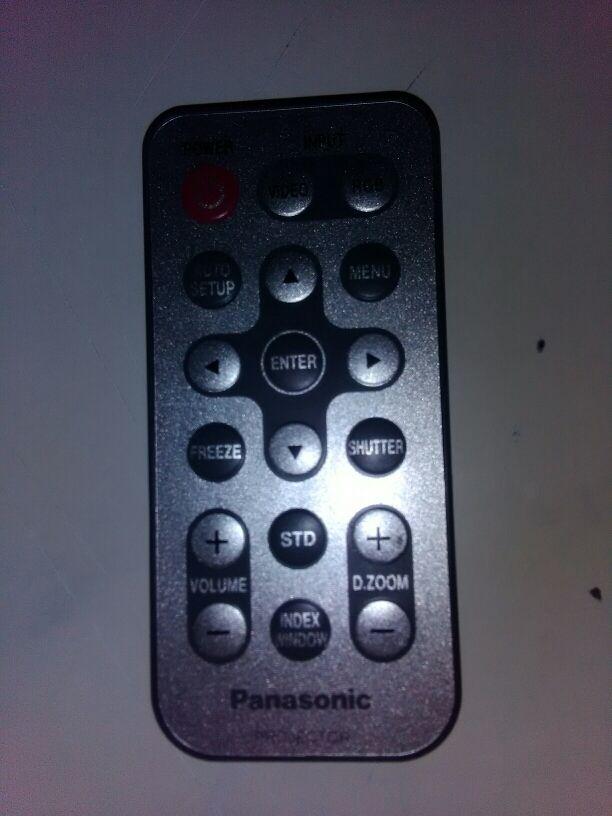 mando a distancia proyector PANASONIC
