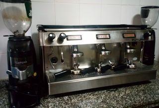 Cafetera industrial con 2 molinillos de café