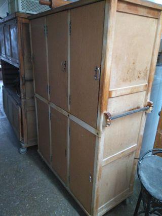 armario dispensador