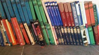 Vendo libros de muchos generos, aventuras de julio verne, miguel de cervantes, stephen king, isabel allende... etc etc. Estan como nuevos, tengo unos 200 libros, a 1 euro cualquier libro