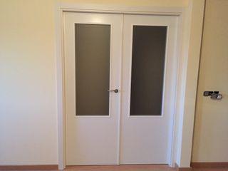Puerta doble blanca