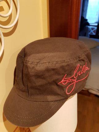 Gorra de chica Billabong.
