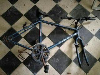 Restos bicicleta niño