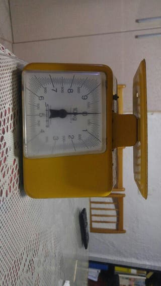 bascula de cocina antigua