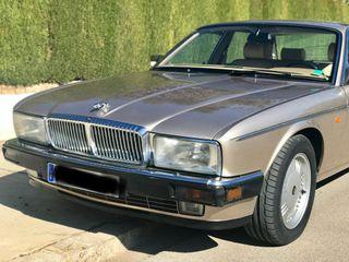 Jaguar Daimler Double six