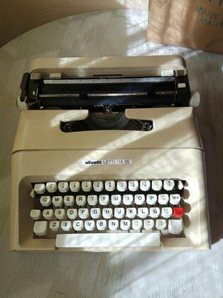 Maquina de escribir de los años 80